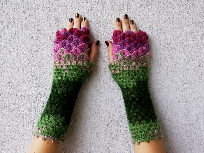 Dragon Scale Gloves Are Perfect For When Winter Comes